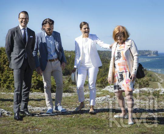 Kuninkaalliskuvat | Victoria ja Daniel Gotlannissa | Lehtikuva | lehtikuva.fi