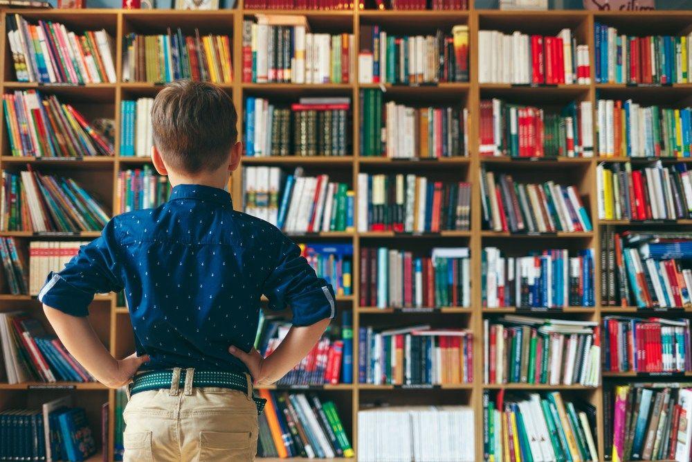 """Las cinco leyes de la Biblioteconomía en una interpretación actual. La biblioteca es un organismo en crecimiento. Esta frase, cargadísima de razón, es una de las cinco leyes de la Biblioteconomía que Ranganathan postuló en su célebre publicación """"The Five Laws of Library Science"""" allá por el año 1931. Las otras leyes a las que hace referencia tienen que ver con los libros y con los lectores (o usuarios de las bibliotecas)."""