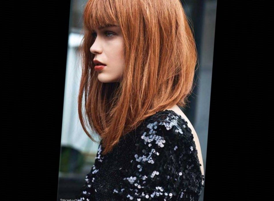 Carré plongeant long avec frange. #Cheveux2017 | Medium hair styles, Long angled bob hairstyles