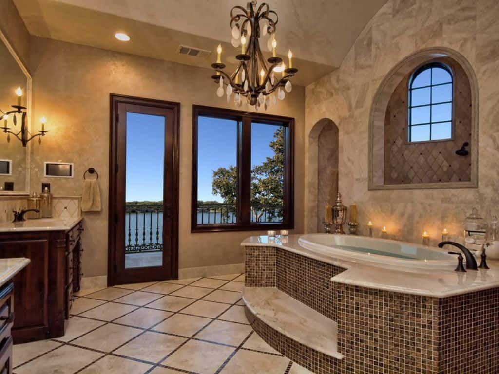 Warmen Und Eleganten Mediterranen Stil Badezimmer