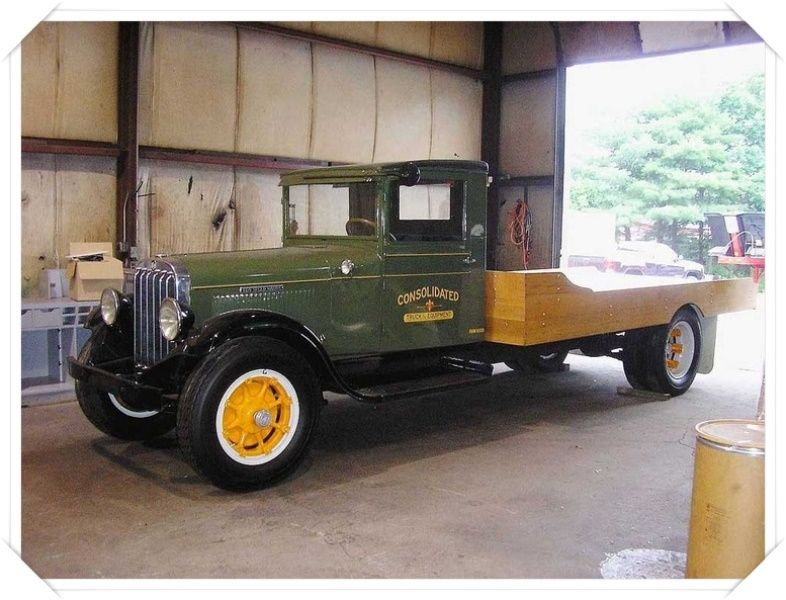 1930 REO Speed Wagon