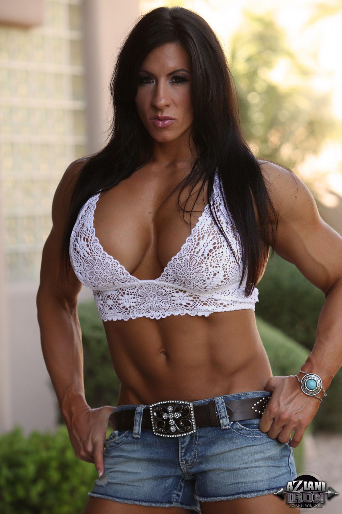 Pauline Mendoza (b. 1999) images