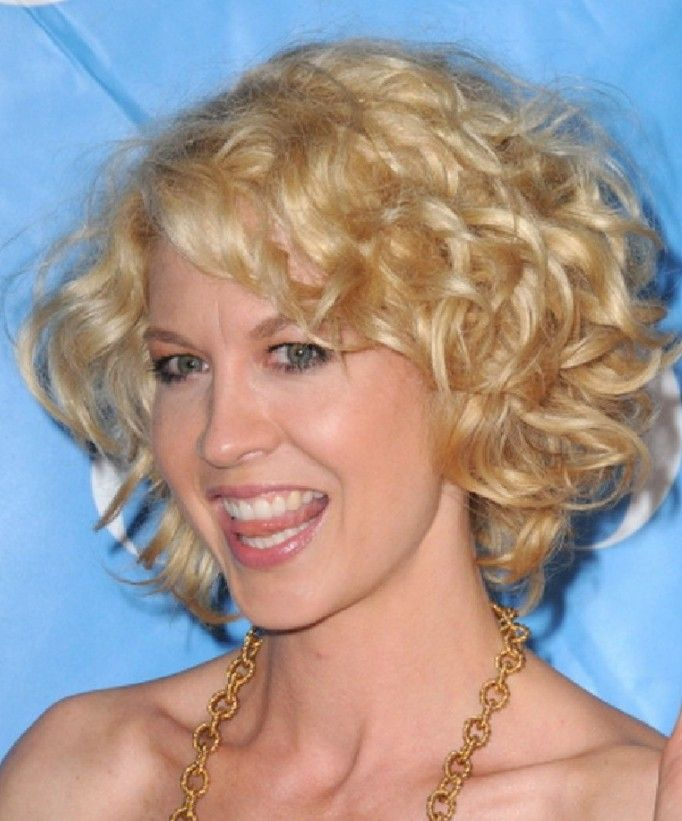 Short Blonde Curly Hairstyles for women | Blonde curly hairstyles ...