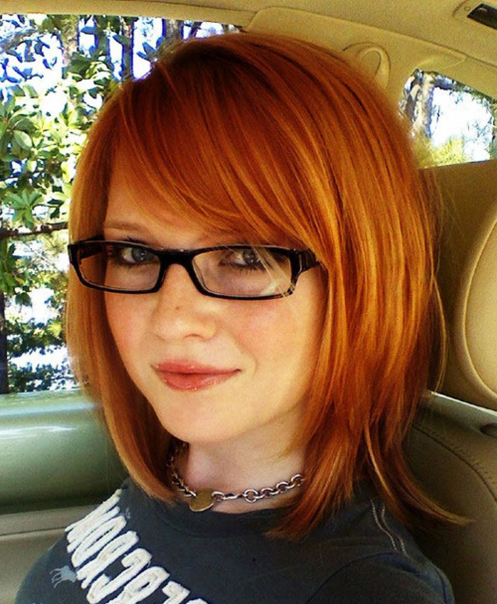 Medium Length Dark Red Hairstyles and hair color ideas
