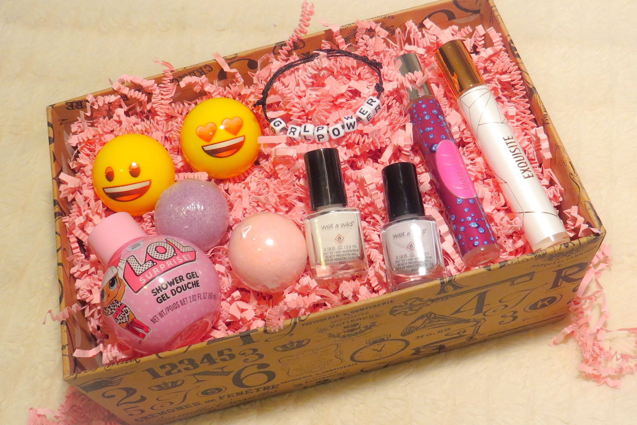 5 Subscriiption Boxes Every Women Should Subscribe To Now Gift Subscription Boxes Best Subscription Boxes Subscription Boxes