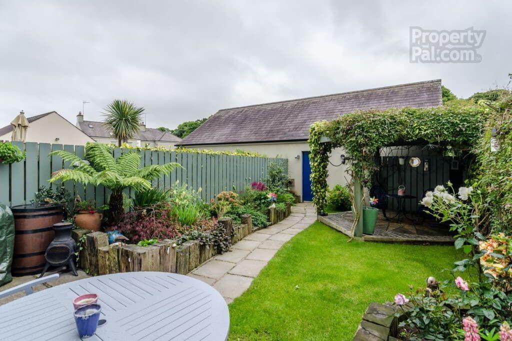 28 Kildare Street, Strangford Small garden design