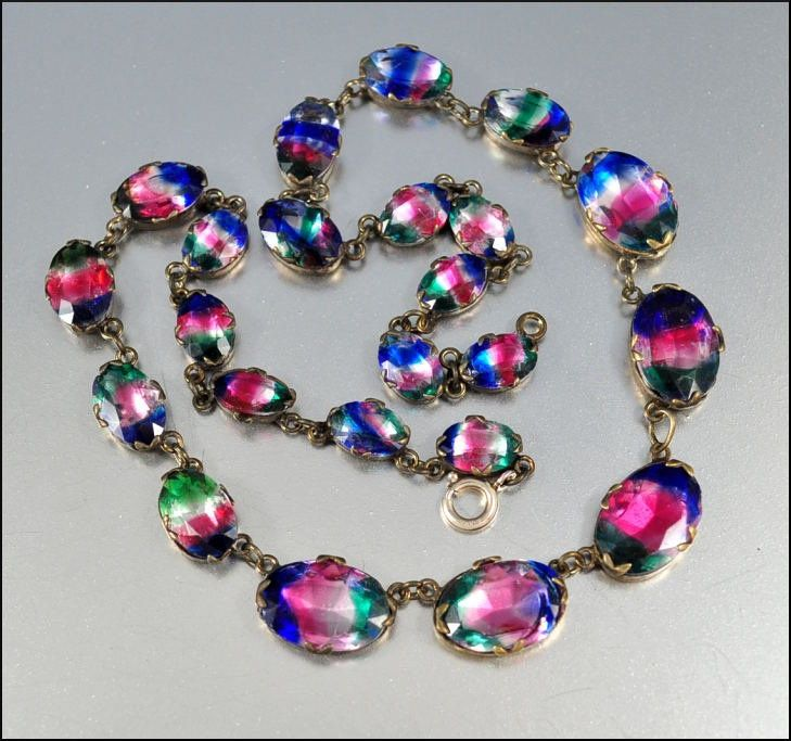 Pin By Charity Whitson On Jewelry Art Deco Necklace Art Glass Jewelry Deco Jewelry