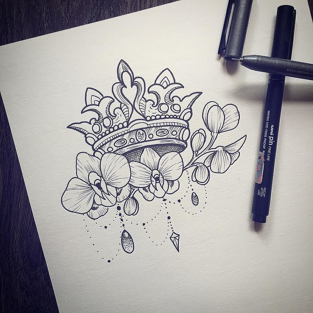 Crown tattoo on tumblr - I Absolutely Love This I Think I Need Something Like This On My Upper Arm But With Something Else Than The Crown