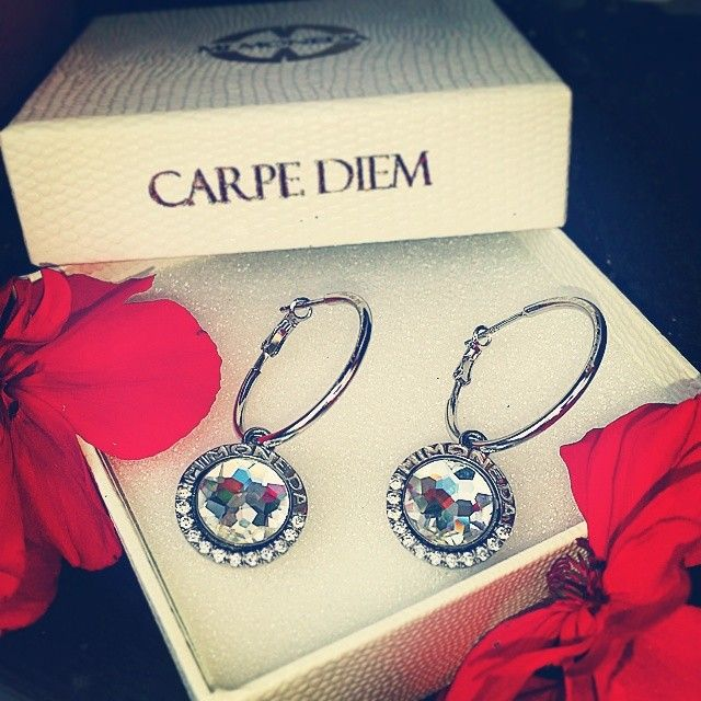 #earings#love#carpediem#MiMoneda#mimonedauk#coins#changable#gift#giftidea #present#from#boyfriend#lovethem#jewelery#jewelerythatmucheweryoutfit#silver#sterlingsilver#925#lovethelifeulivelivethelifeyoulove#crystal#giftbox#photooftheday#instamood #outfit#fashion#fashionblogger#photooftheday#followme#instafollow#nausnice#sperky#