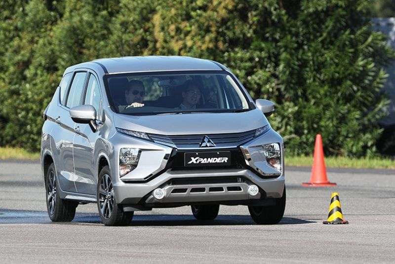 The All New 2020 Mitsubishi Xpander Is A Minivan That Comes With The Style There Is Room For Seven Persons And The Interior Room Is Mini Van Mitsubishi Wagon