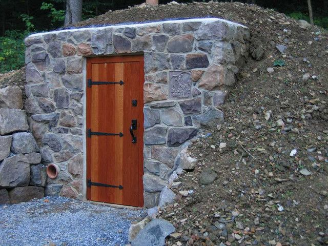 Root cellar project door finished and backfill complete jardin pinterest maison enterr e - Cave enterree jardin ...
