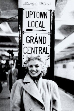 Marilyn Monroe- this reminds me of Grandma Judy on her trips. :)