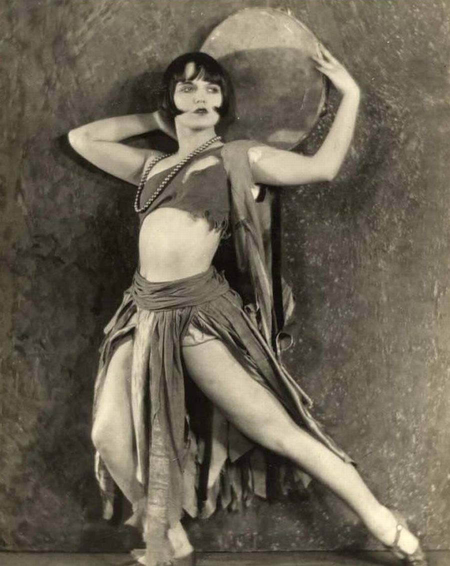 vintagegal:  These are Louise Brooks images from Alfred