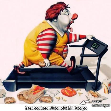 Correndo atrás do prejuízo, triste kkkkk  Quer aprender a detonar gordura de verdade?  Então Acesse ➡ http://www.SegredoDefinicaoMuscular.com/  Eu Garanto...   #ComoDefinirCorpo #fitness #fit #humor #funny