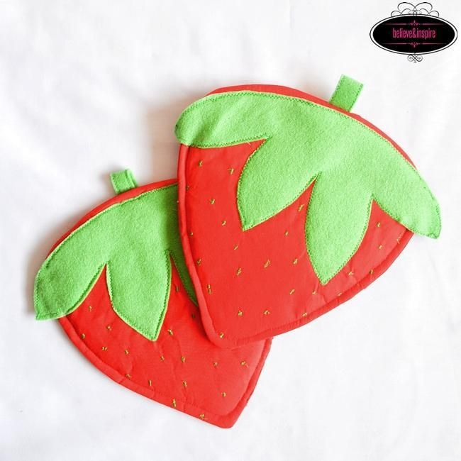 Kitchen Helpers: 6 Hot Pad Sewing Patterns   Strawberry pots ...