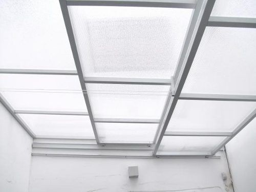 Cerramientos techos corredizos policarbonato vidrio casa for Techo policarbonato transparente