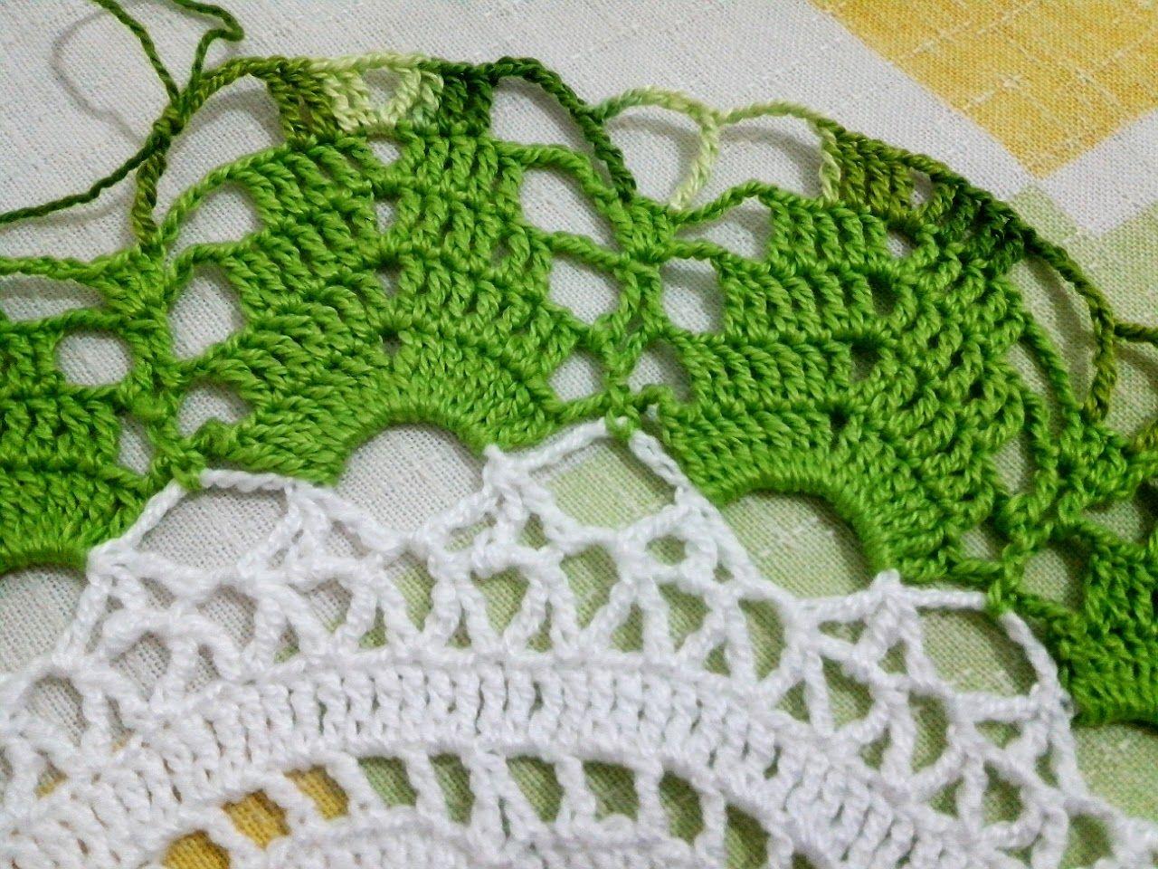 Tecendo Artes em Crochet: Centro de Mesa Tulipinhas - Mais Um!