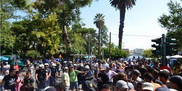 Λέσβος: Πάλι χάος στη Μόρια - 300 μετανάστες συγκρούστηκαν με την Αστυνομία