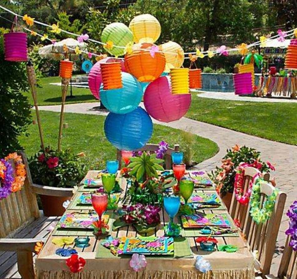Family Reunion Decorations Party Ideas | Party decoration table/room ...