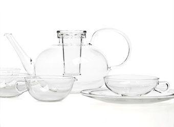 teeservice aus glas bauhaus charakter pinterest teekanne aus glas geblasenes glas und. Black Bedroom Furniture Sets. Home Design Ideas