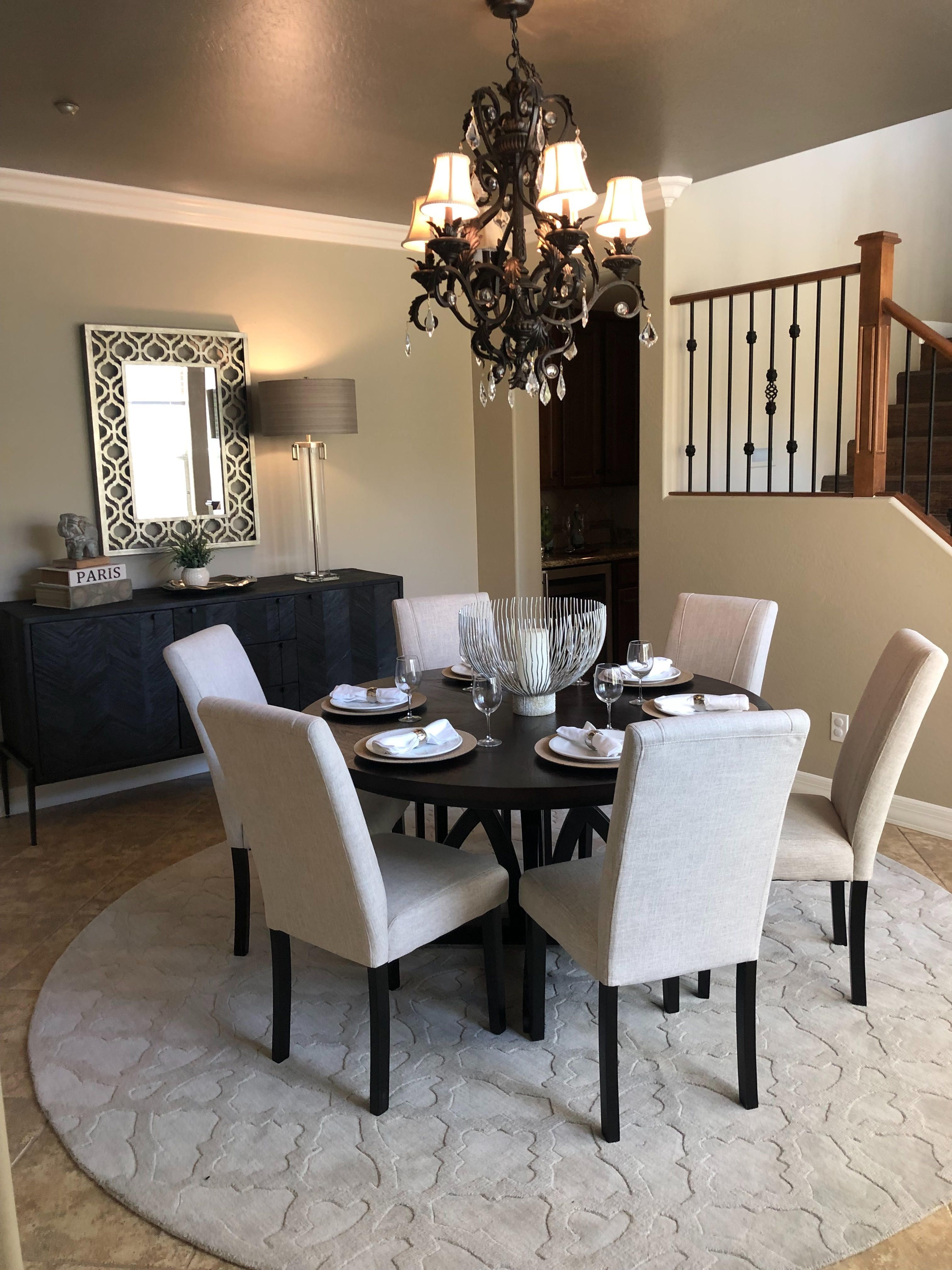 Using Place Settings In A Dining Room Is A Great Touch For