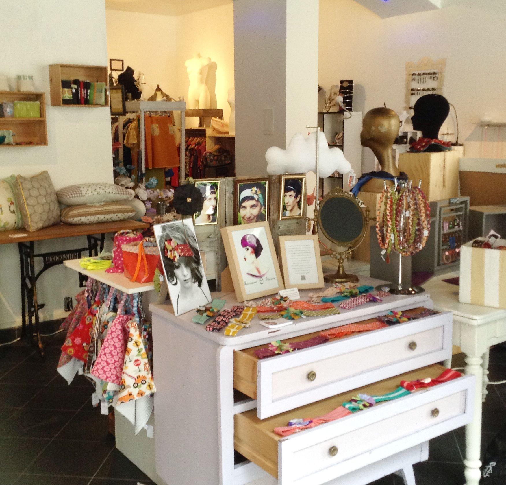 Tribu Boutique De Createurs De La Region Au 4 Rue De L Hotel De Ville A