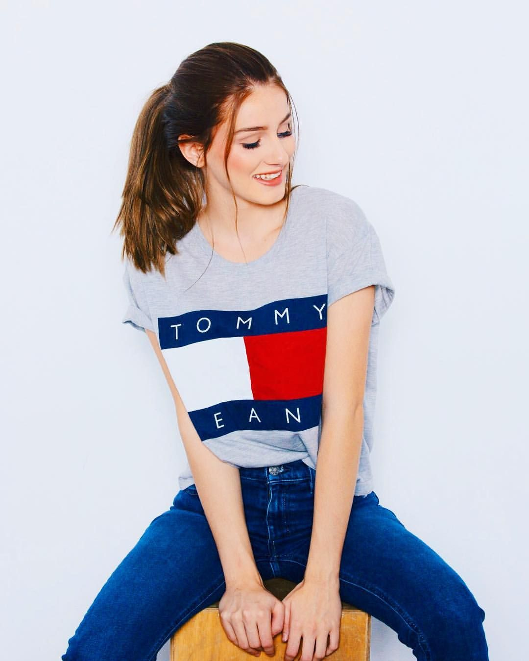 "3,497 Likes, 10 Comments - OLIVIA (@oliviarouyre) on Instagram: ""tommy hilfiger""  #tommyjeans #tommyhilfiger #outfit #fashion"