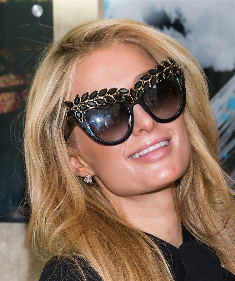 Tondi come Cara Delevingne o da gatta alla maniera di Jennifer Lopez? Dieci categorie, 50 e più modelli, tutti i trend del momento. Quali sono i vostri preferiti per l'estate?