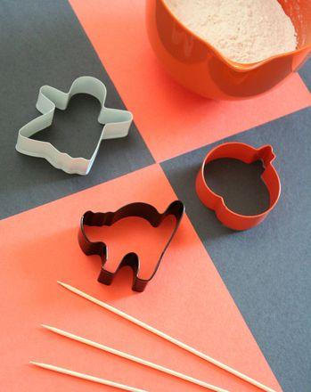 Make #Halloween Shape Sticks Ghostly character sticks make for
