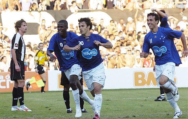 Kleber Gladiador Apavorando As Frangas Cruzeiro Esporte Clube Cruzeiro Esporte Jogadores Do Cruzeiro Cruzeiro Esporte Clube