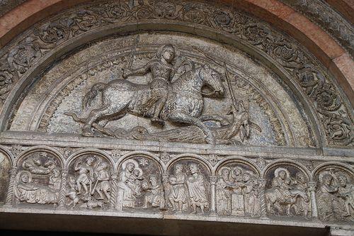 Catedral de San Giorgio de Ferrara,relieve romanico  Italia