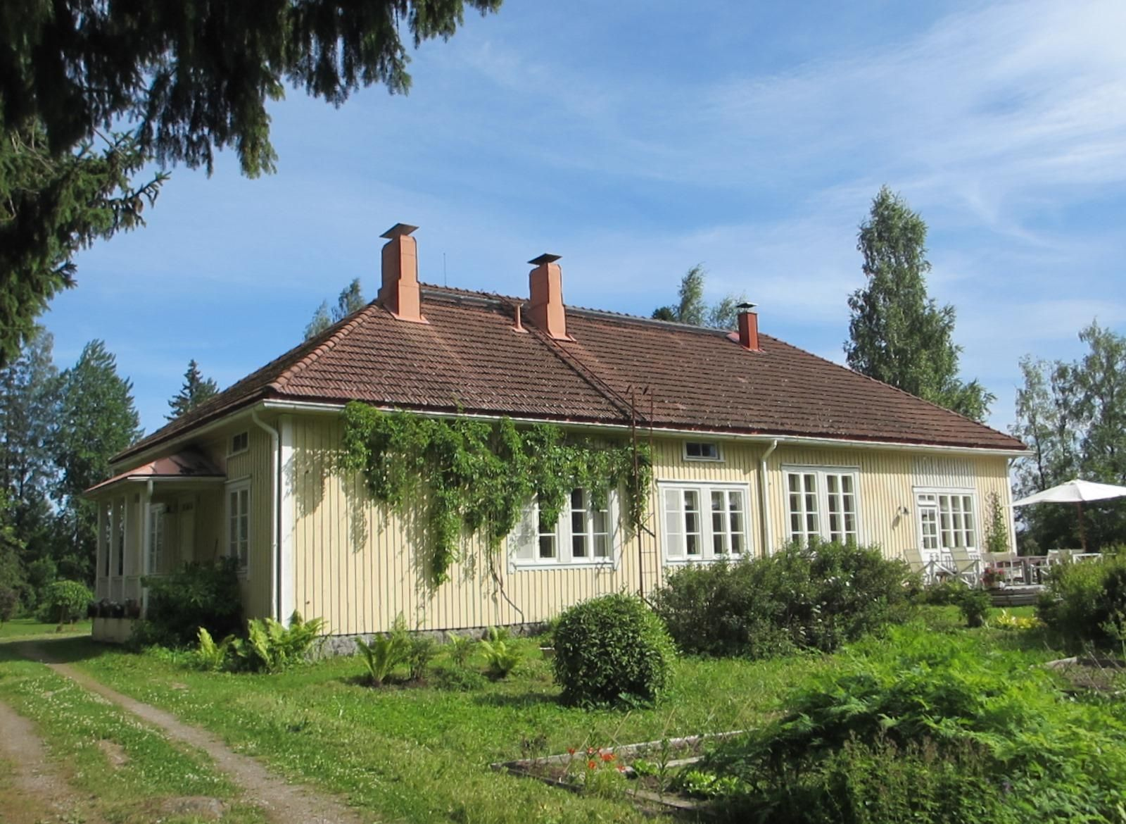 the old school kuhmoinen patavedentie 97 finland houses in the rh pinterest com