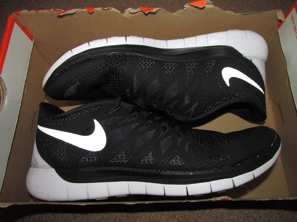 Nike Free 5.0 Womens Running Shoes 6.5 Black White 642199 001