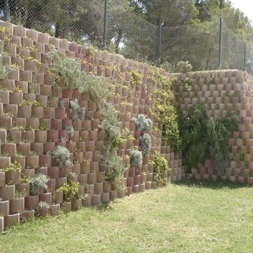 Hollow Concrete Block For Retaining Walls Exposed Acoustic Betoatlas Betoconcept Concrete Blocks Gardening Techniques Outdoor Design