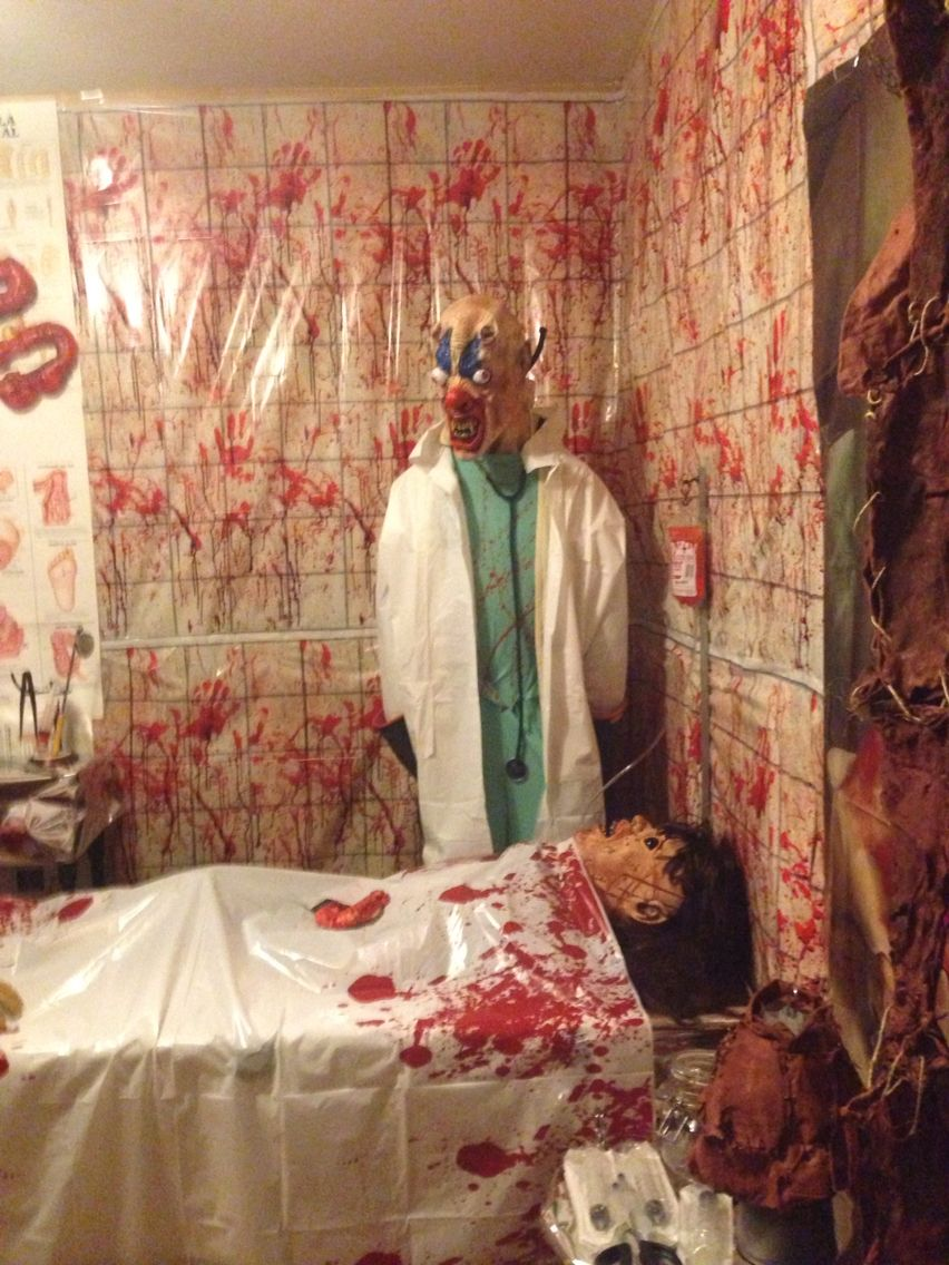Surgical room for asylum party can 39 t wait for halloween for Diy haunted house walls