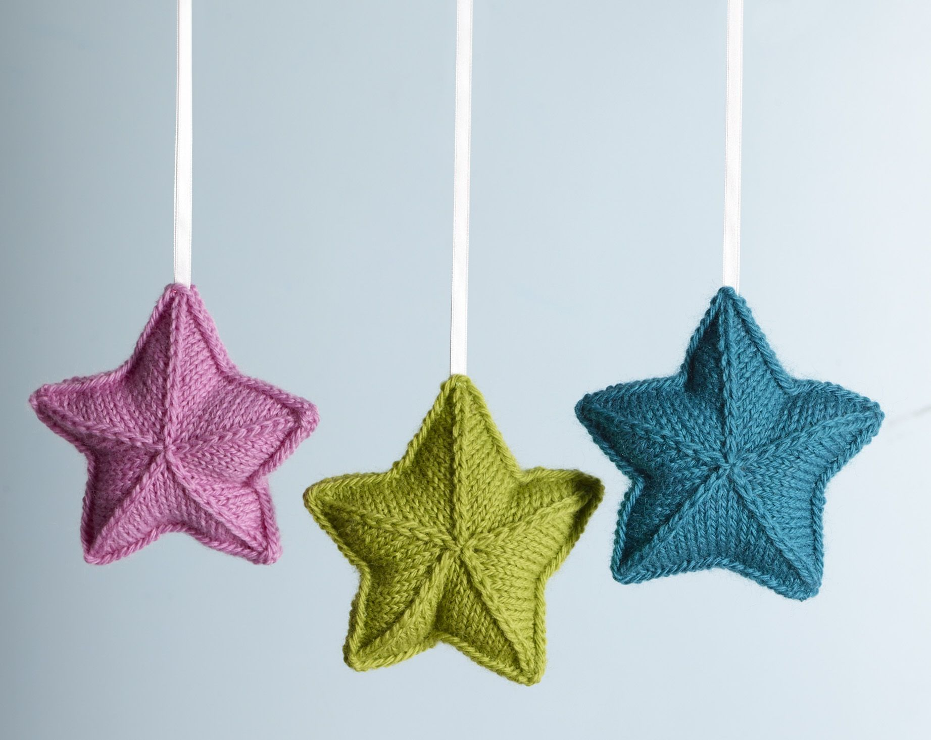 Pure Wool Entwine Christmas Stars - Spotlight free pattern for 8 ply ...