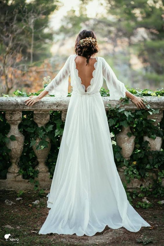 Boho Long Sleeves Wedding Dress With Open Back Deer Pearl Flowers