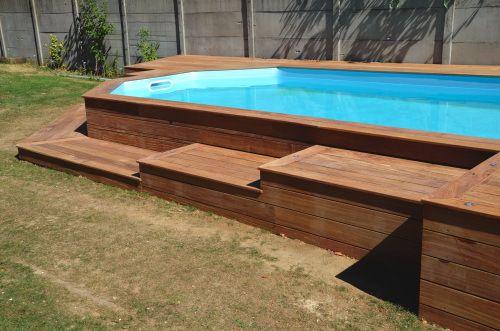 Faire un acc s en bois exotique pour ma piscine rectangular fire pit pint - Amenagement piscine en bois ...
