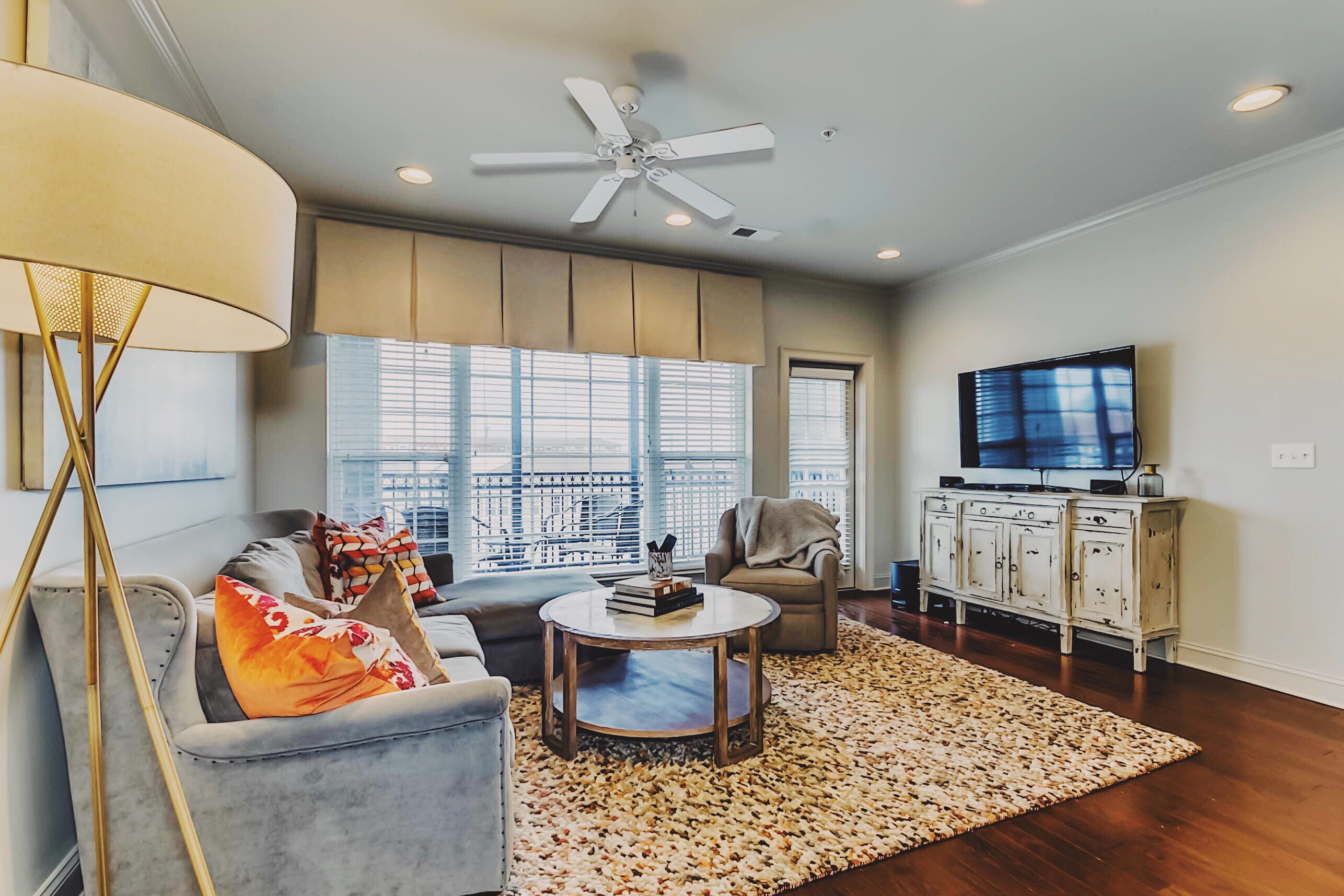 Top floor luxury condo for sale in Tuscaloosa near Bryant