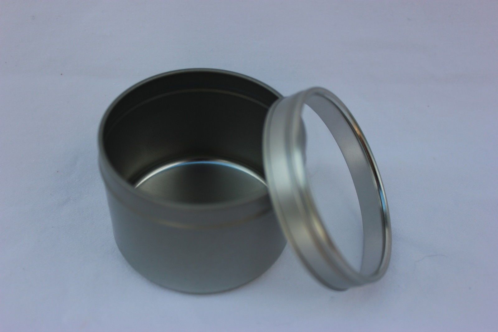 8oz Round Deep Tin Containers Twist Lug Lids  12  NEW  Candles Spices Beads