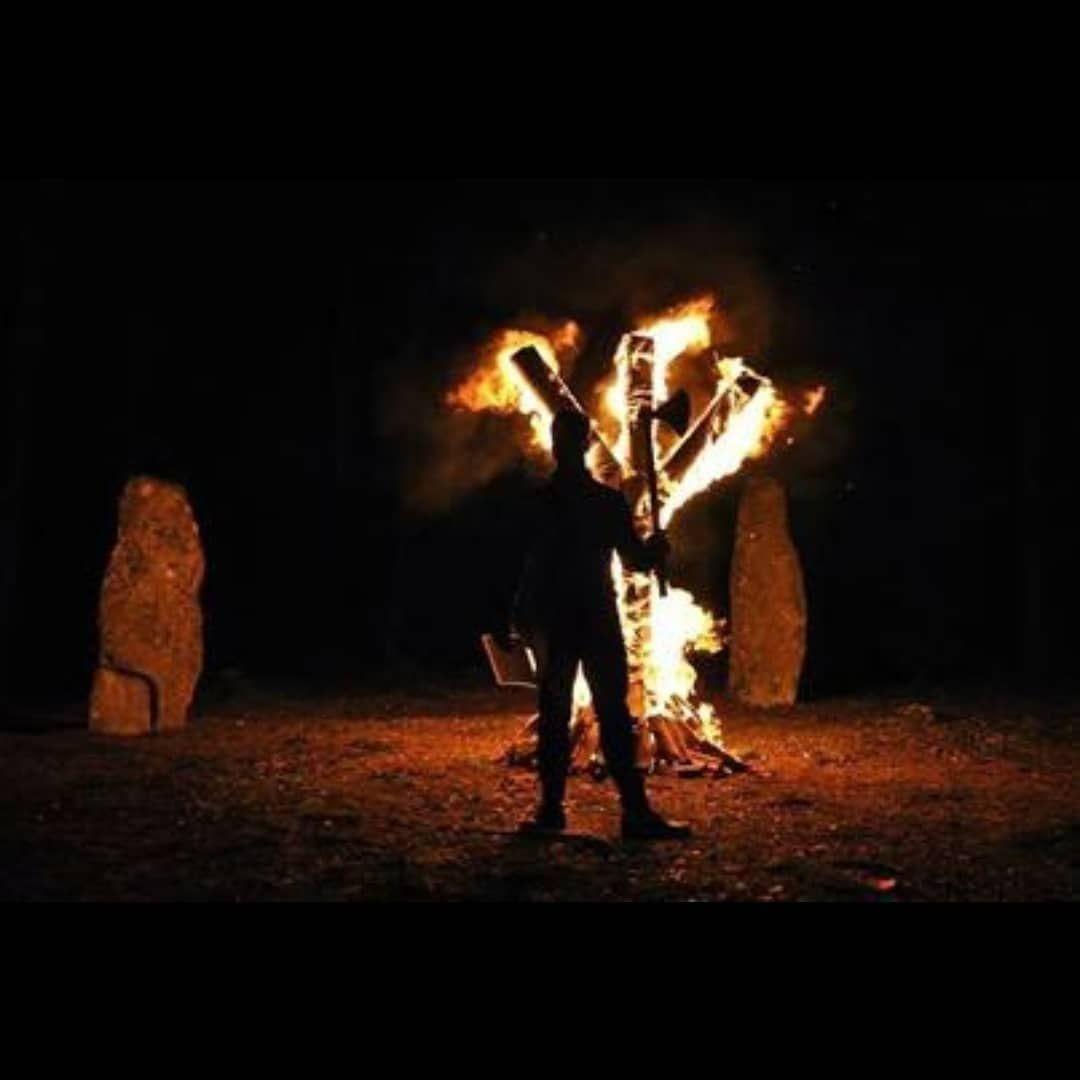 220 Ideas De Vikings Vikingos Símbolo De Odín Berserker Vikingo