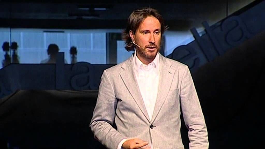 Actitud: Victor Küppers at TEDxAndorralaVella. Estamos tarados