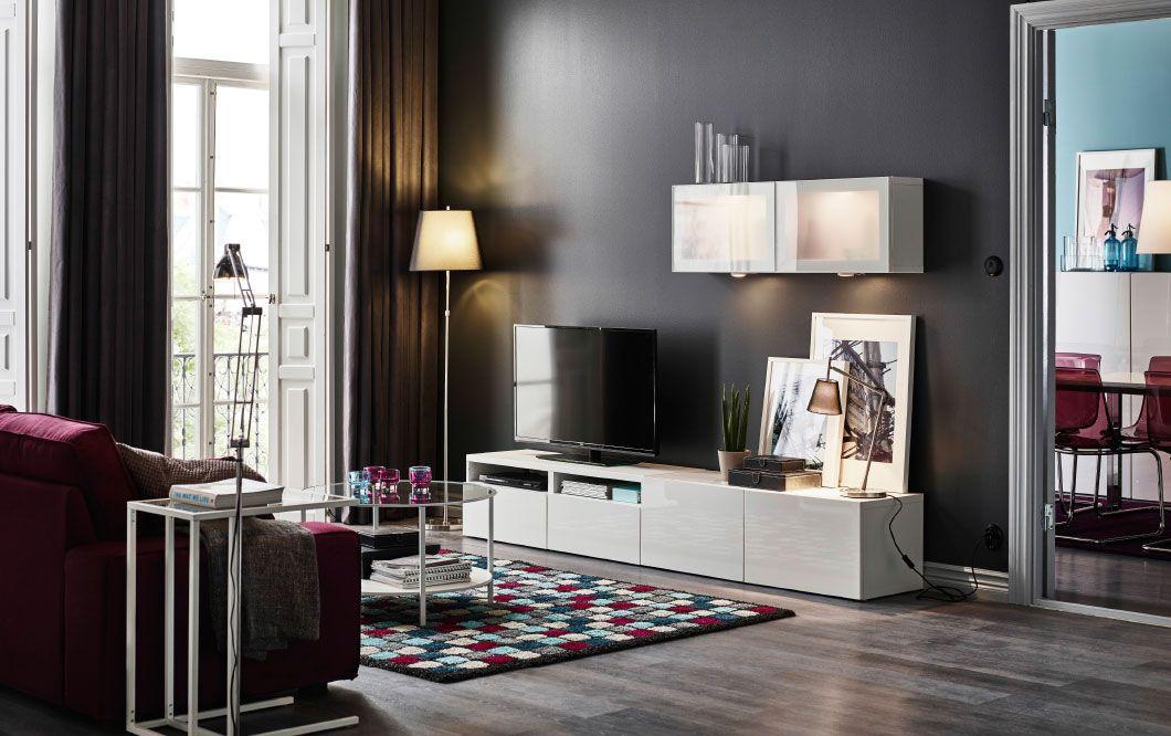 Ein Wohnzimmer mit BESTÅ Kombination mit SELSVIKEN Fronten - mobel weis wohnzimmer