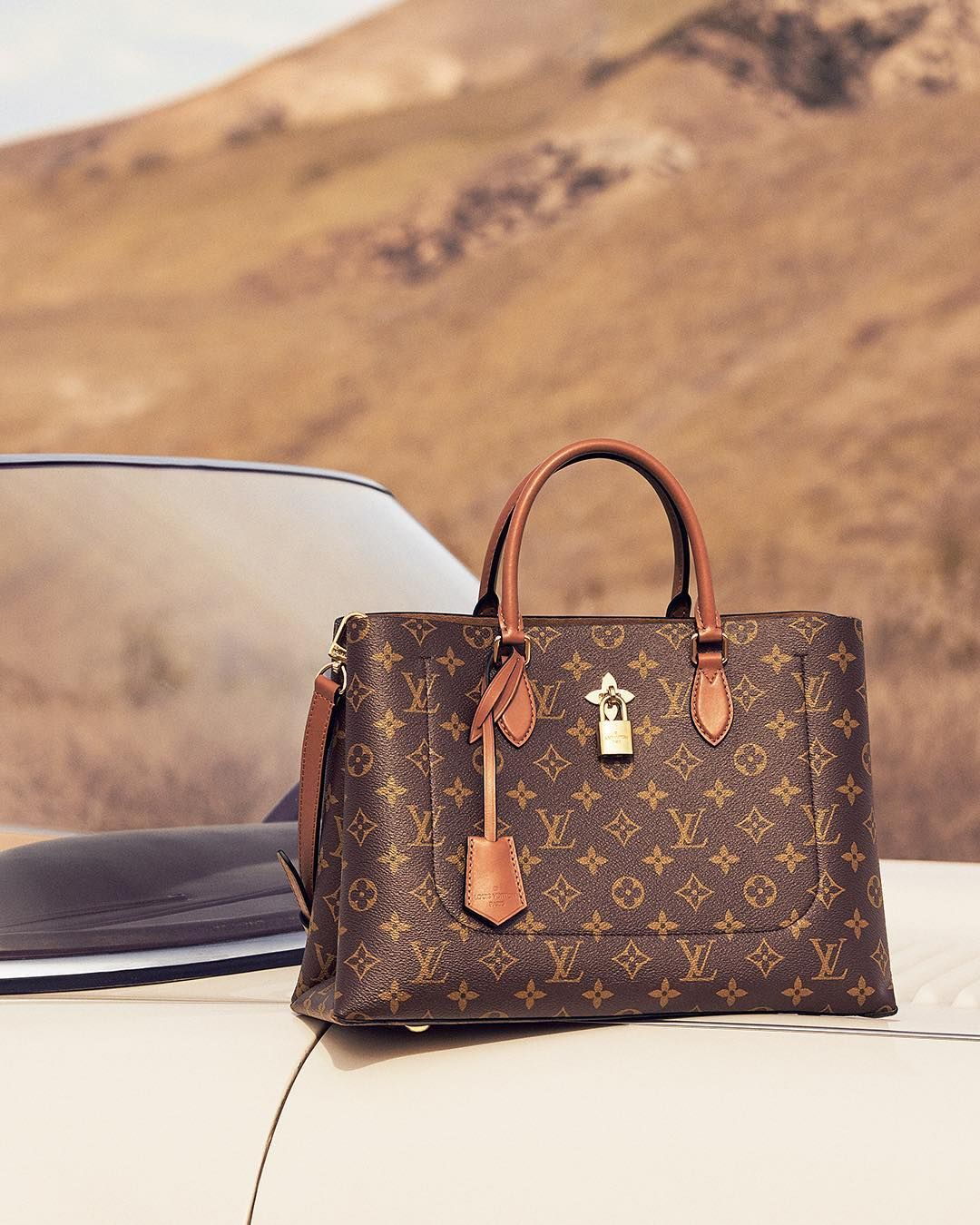 Travel Light Travel Fast Discover The Louisvuitton Flower Tote