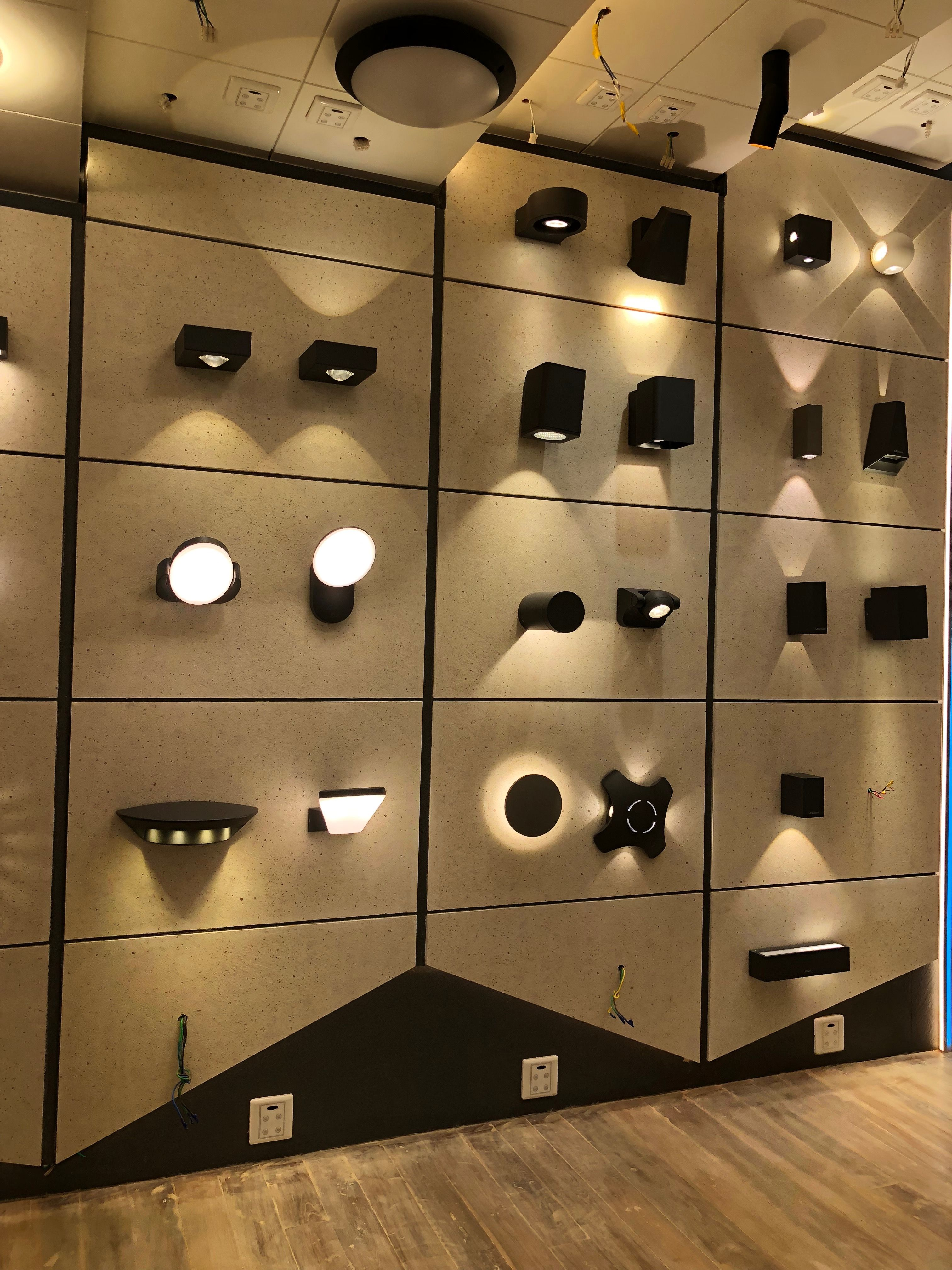 Outdoor Light Display Showroom Ambient Modern Contempoarary Functional Outdoor Lighting Store Light Display Lighting Showroom