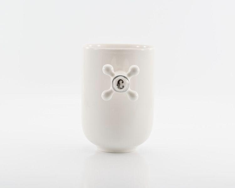 Becher & Tassen - Weiß Porzellan-Becher mit Wasserhahn Griff - ein Designerstück von KinaCeramicDesign bei DaWanda