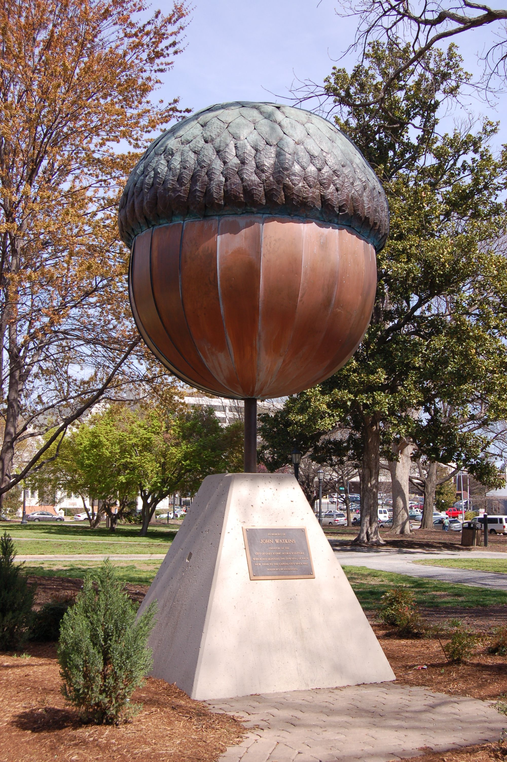 There Is A Giant Acorn Statue In Raleigh North Carolina Nutzilla