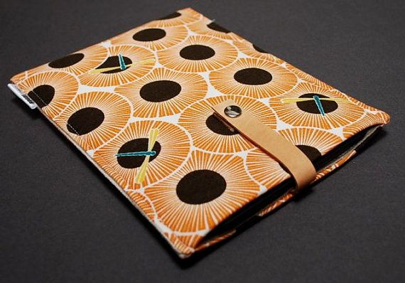 Yep, another kindle cover.  This time with my favorite insect: dragonflies!