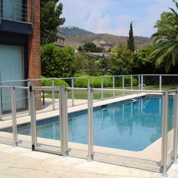 Valla para piscina en aluminio y metacrilato for Vallas seguridad piscinas