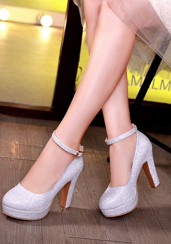 Silber Runde Zehe Blockabsatz Fesselriemen Glitzer Pailletten Schick High Heels In 2020 Schuhe Damen Silber Pumps Frauenschuhe